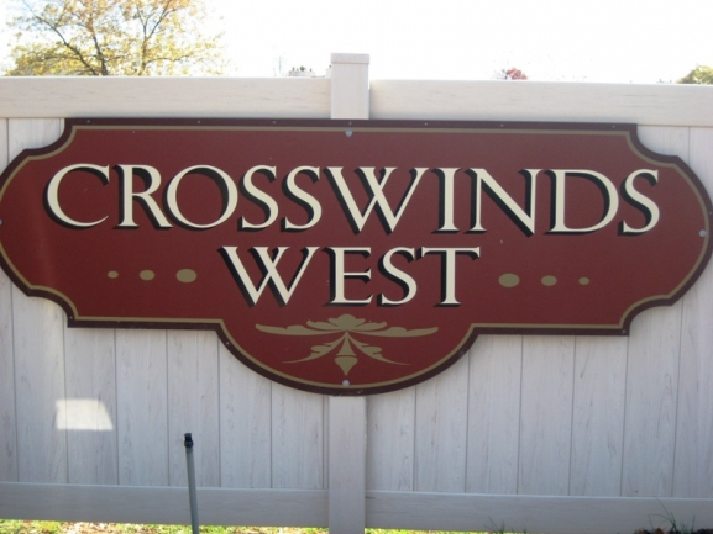 Crosswinds West, Novi MI condos. Subdivision entrance.