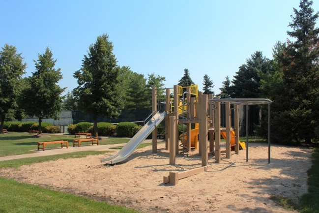 Playground in Country Club Village Northville