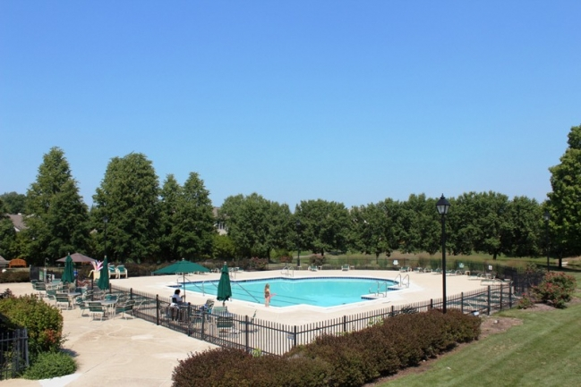 Community Pool in Country Club Village Northville