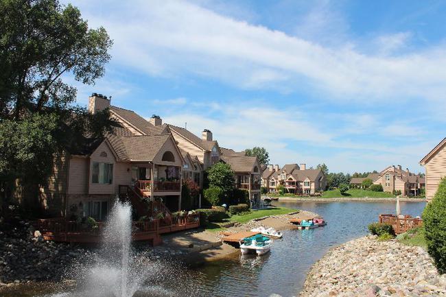 Blue Heron Pointe Northville MI.  Waterfront real estate condominium 10