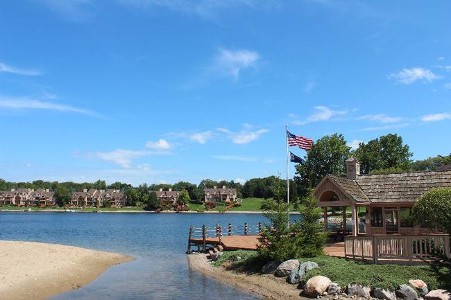 Blue Heron Pointe Northville MI.  Waterfront real estate condominium 15