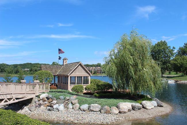 Blue Heron Pointe Northville MI.  Waterfront real estate condominium 18