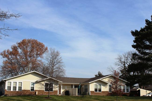 Novi real estate in Lakewoode Parkhomes condo complex 20