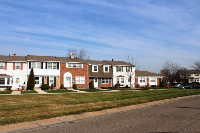 Highland Lakes Condos in Northville MI real estate 3