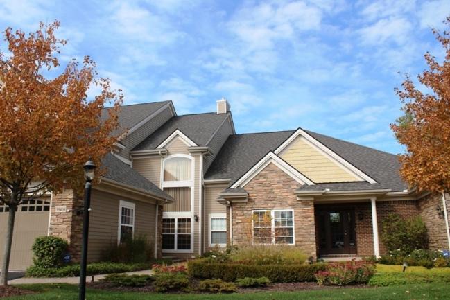 Edgewater condos in Northville MI real estate