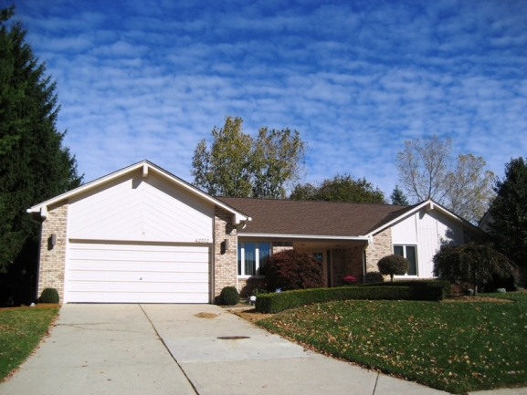 Lakes of Northville subdivision real estate in Northville MI. 9