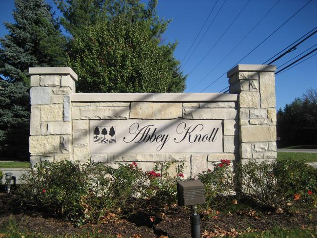 Abbey Knoll sundivision, Northville MI. Subdivision entrance.