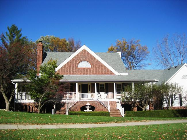 Neighborhood of Pheasant Hills in Northville, MI real estate 8