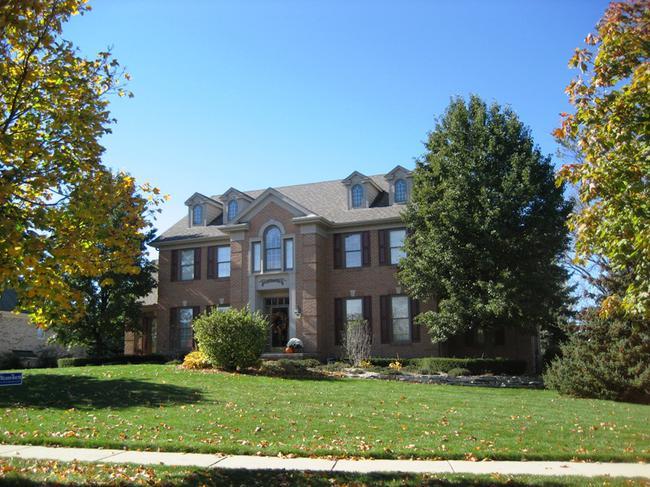Neighborhood of Woods of Edenderry in Northville, MI luxury real estate 12