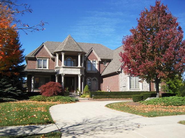 Neighborhood of Woods of Edenderry in Northville, MI luxury real estate 9