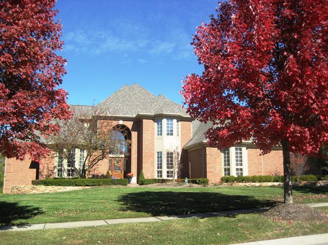 Neighborhood of Woods of Edenderry in Northville, MI luxury real estate 10