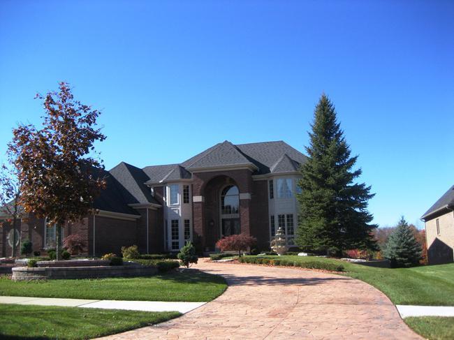 Neighborhood of Woods of Edenderry in Northville, MI luxury real estate 6