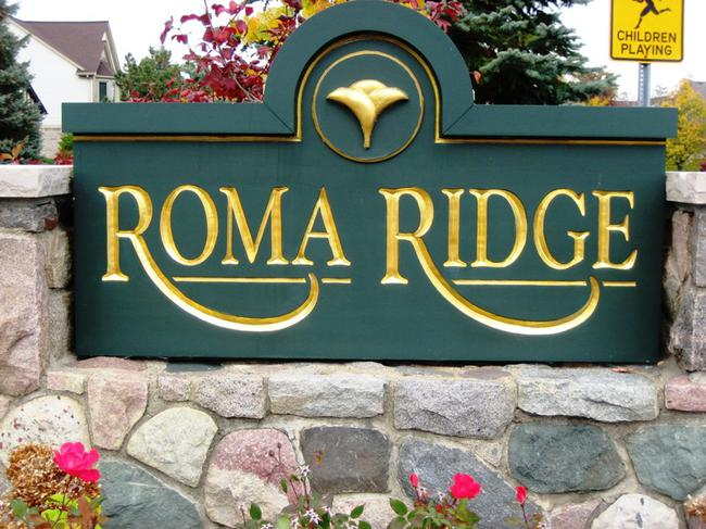 Roma Ridge Neighborhood Entrance