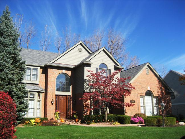 Neighborhood of Woodside Village in Northville, MI real estate 2
