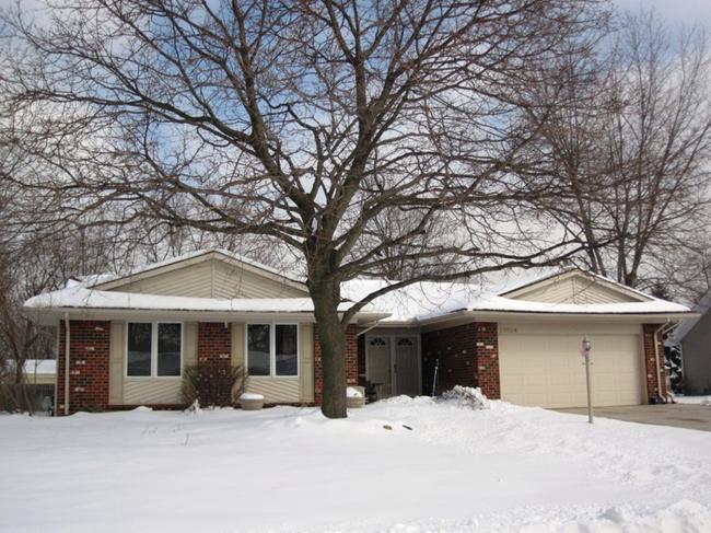 Neighborhood of The Oaks in Northville MI real estate 11