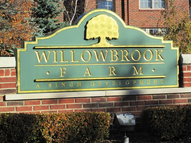 Willowbrook Farm Novi Mi Subdivision Entrance