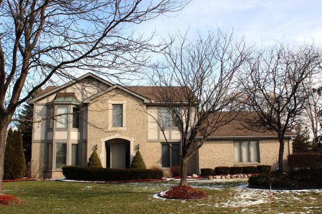Real estate of Deerbrook neighborhood in Novi MI 3