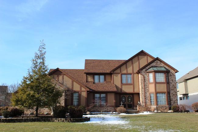 Real estate of Deerbrook neighborhood in Novi MI 5