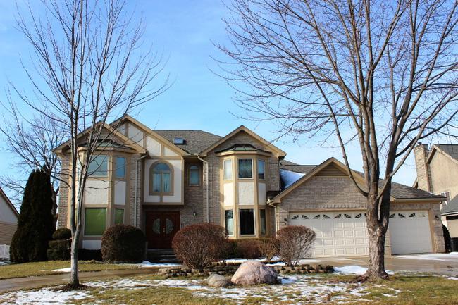 Real estate of Deerbrook neighborhood in Novi MI 9
