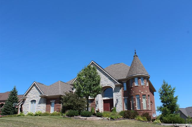 Subdivision of Stonewater in Northville