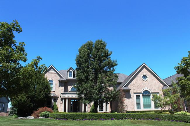 Elevation 2 in Stonewater neighborhood, Northville