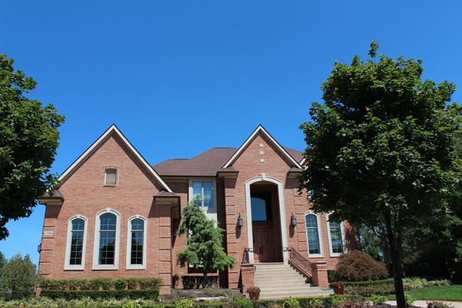 Neighborhood of Stonewater in Northville MI