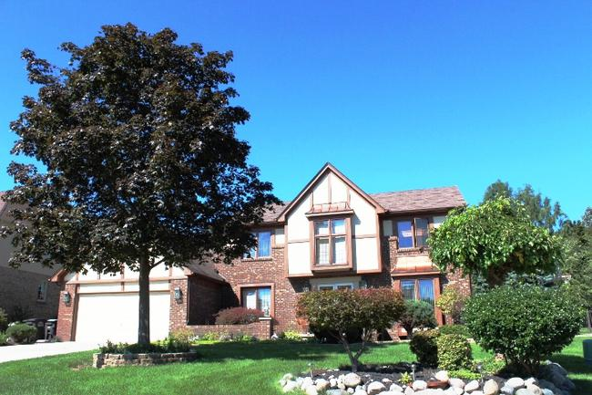 Real estate in the neighborhood of Maple Hill in Northville, MI 48168 (6)
