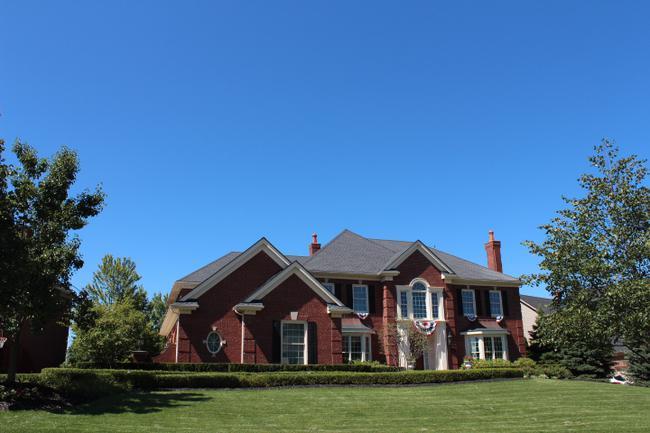 Luxury real estate in Woods of Edenderry in Northville, MI 27