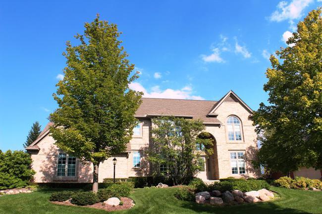 Real Estate in Pheasant Hills Subdivision Northville MI, 6
