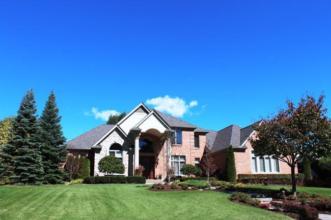 Real Estate in Fox Hollow Neighborhood, Northville MI 4