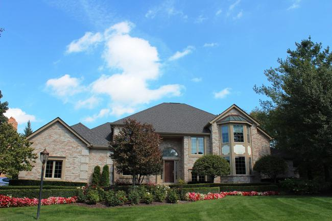 Real Estate in The Oaks Subdivision in Northville, MI 8