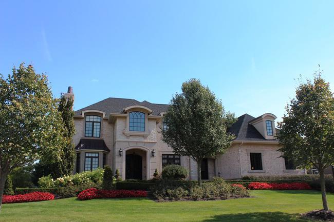Bella Vista Neighborhood in Northville, MI Real Estate 6