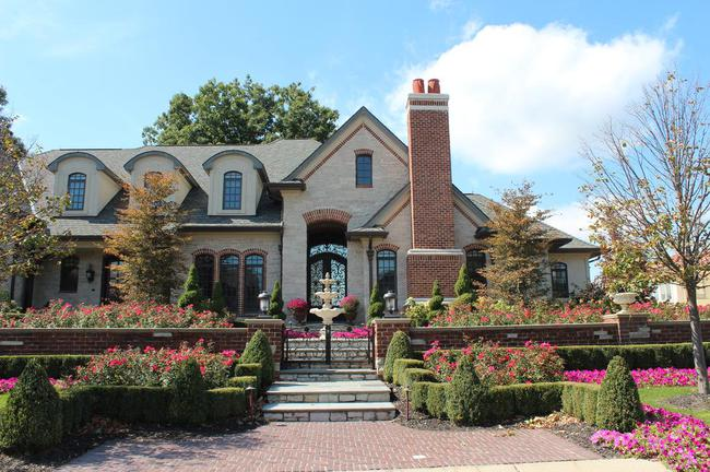 Bella Vista Neighborhood in Northville, MI Real Estate 18