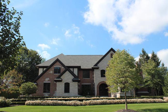 Bella Vista Neighborhood in Northville, MI Real Estate 21