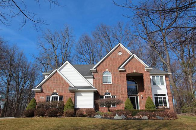 Novi School District Homes Mockingbird Glen