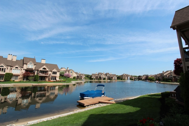 Northville MI Waterfront Condo listed for sale