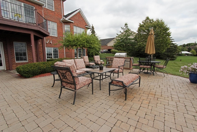 Novi Waterfront House For Sale